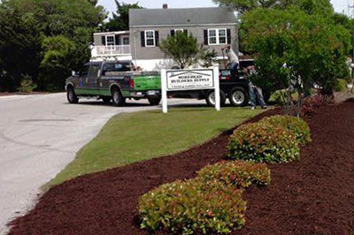 2015-Pullmann-Services-Images-Com-Mulch